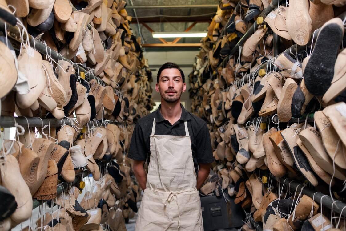Как открыть обувной цех